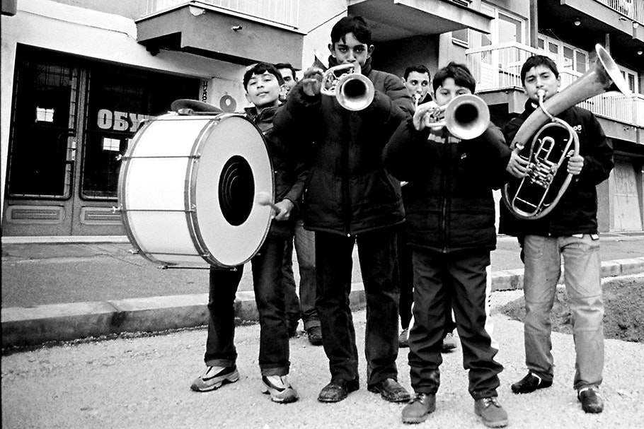 Group of kids with instruments.