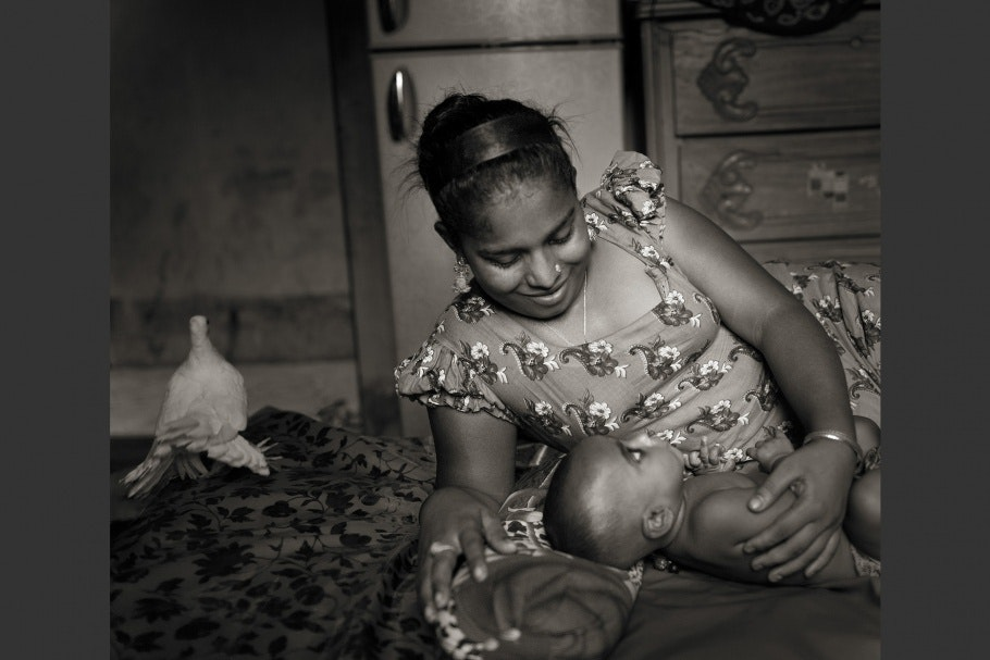 A Bangladeshi hijra and her adopted child