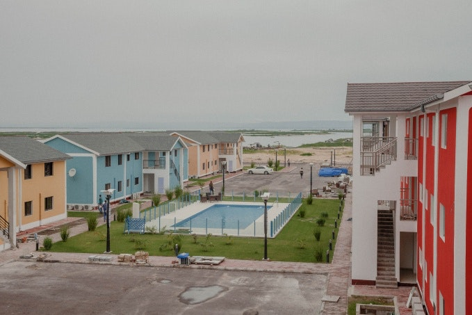 New buildings with a swimming pool in the center